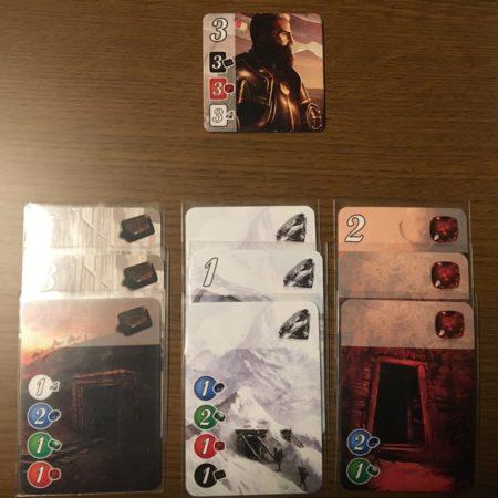 黒カード3枚、白カード3枚、赤カード3枚が条件の貴族タイル